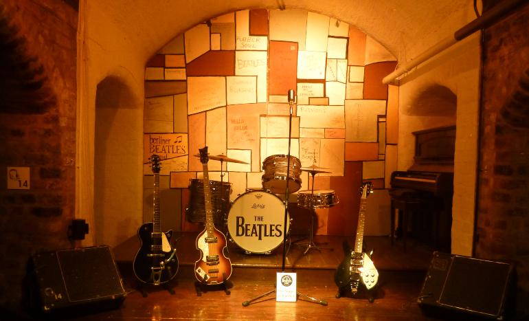 recreación escenario the cavern