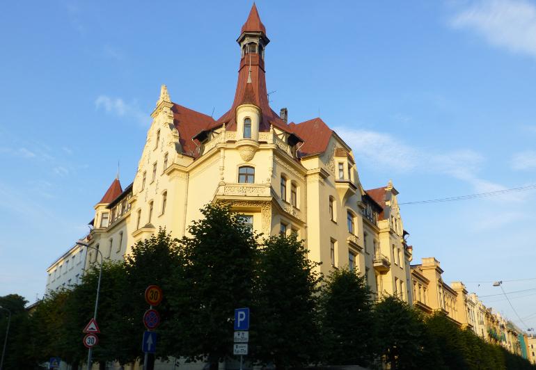 fachada museo de art nouveau de riga