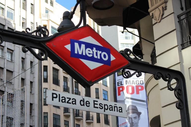 exterior de la parada de metro Plaza de España de Madrid