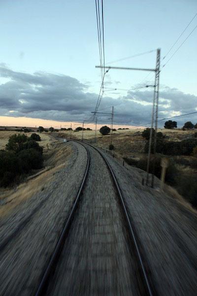 Vías desde la cabina del maquinista del Tren Río Eresma