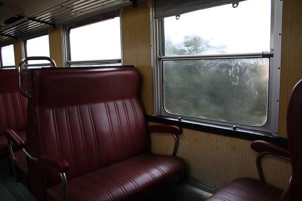 El Tren Río Eresma conserva el eskay granate de antaño