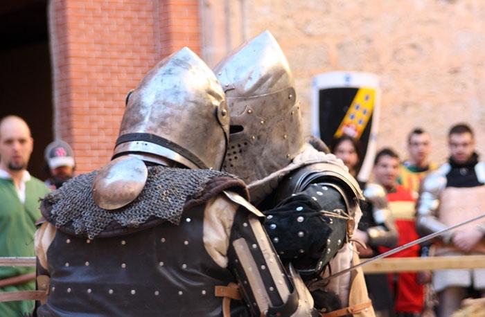 combate medieval en el castillo de belmonte