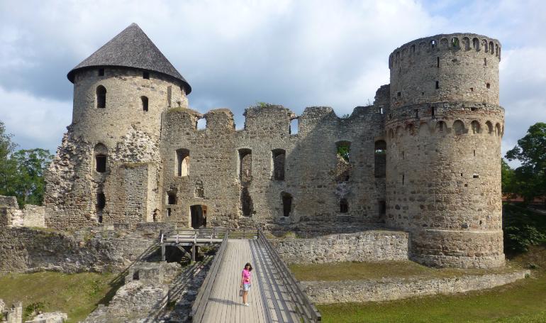 entrada al castillo de cesis