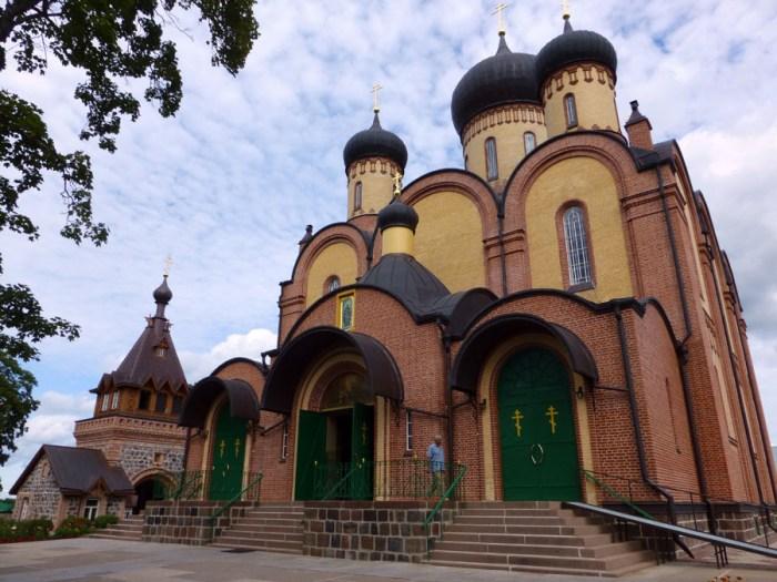 convento-Puhtitsa-en-kuremae