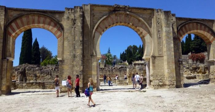 El Gran Portico de Medina Azahara en cordoba