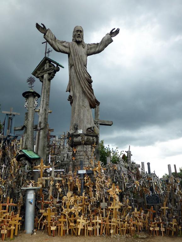 colina-de-las-cruces-lituania-11