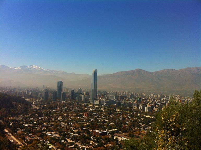 vistas desde el cerro de San Cristobal viajar a santiago de chile