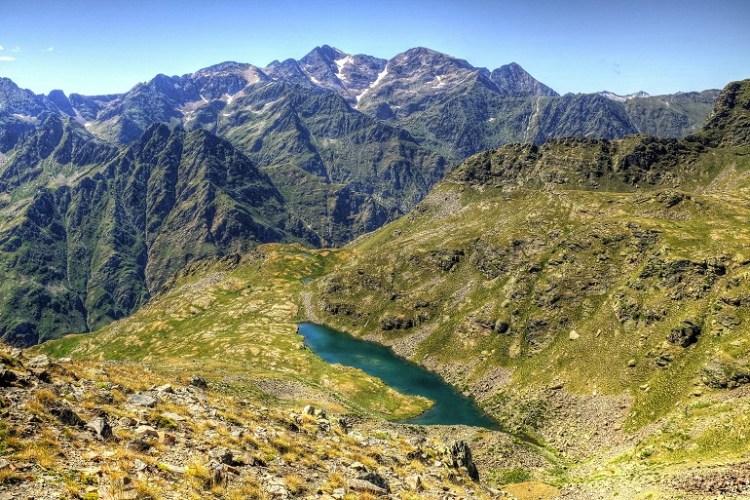 Paisaje montañoso de los Pirineos