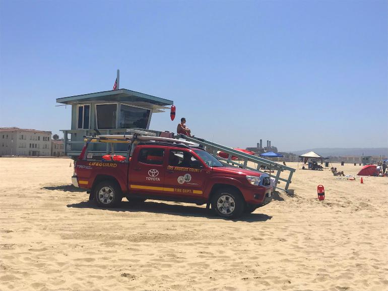 Vigilantes en Hermosa Beach