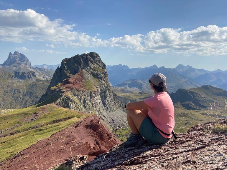Vistas del pico Anayet y el Midi d'Ossau desde el vértice