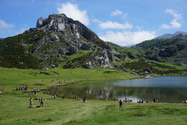 Lagos De Covadonga Una Ruta Circular La Mochila De Mamá