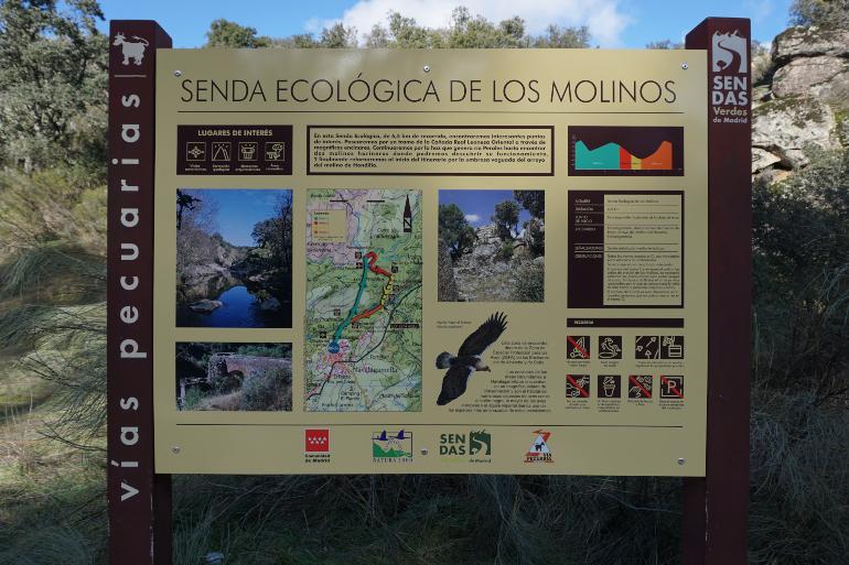Panel informativo de la ruta y el entorno