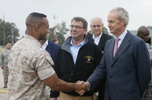 ministro de Defensa, Pedro Morenés, y el secretario de Defensa de EEUU, Ashton Carter
