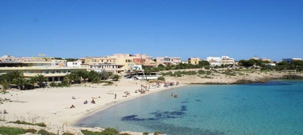 spiaggia della guitgia lampedusa