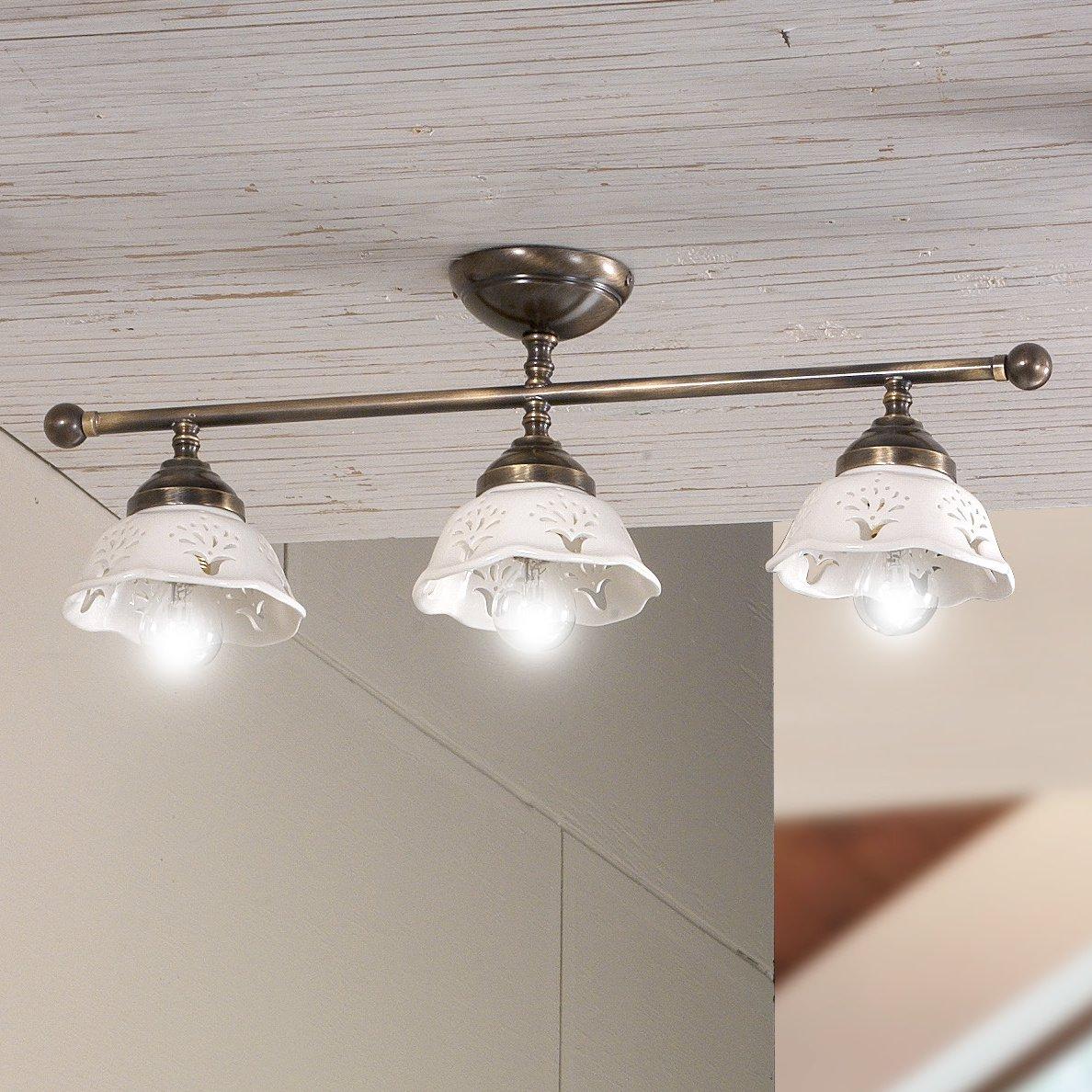 Zwei und dreiflammige Deckenlampe im Landhausstil