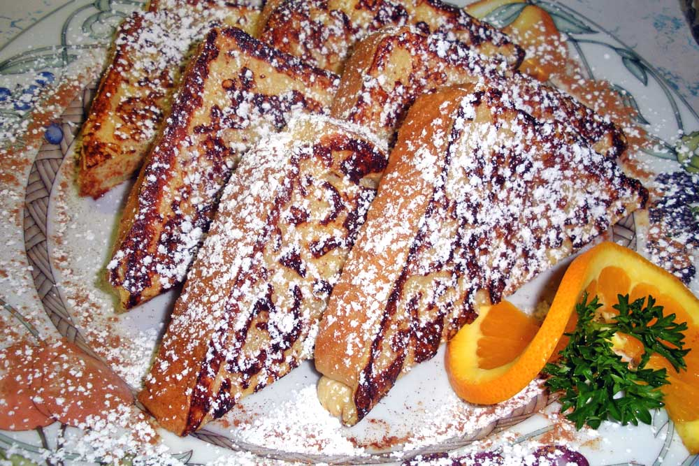 Sugar dusted French toast