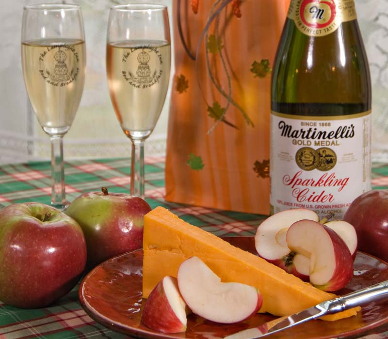Apple, Cheese and Wine