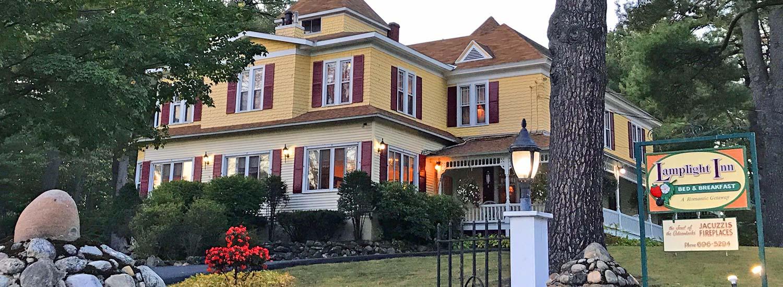 exterior shot of Lamplight Inn Bed & Breakfast in Lake Luzerne