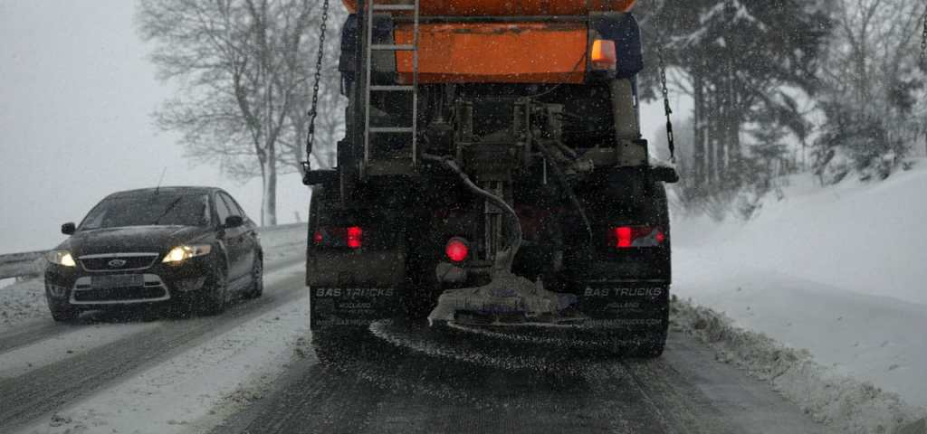 salt damage - salt truck