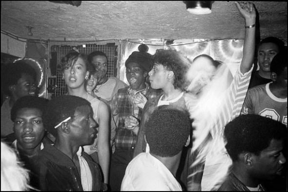 Ragazzi che ballano il reggae a Londra