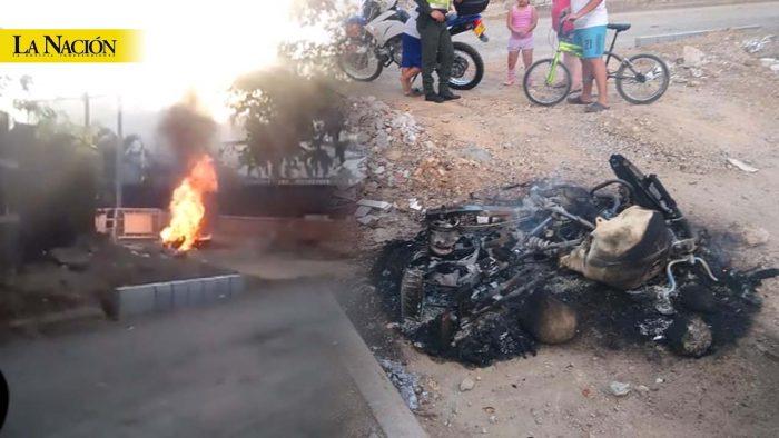 Comunidad quemó motocicleta de presuntos ladrones en Neiva 1 16 febrero, 2020