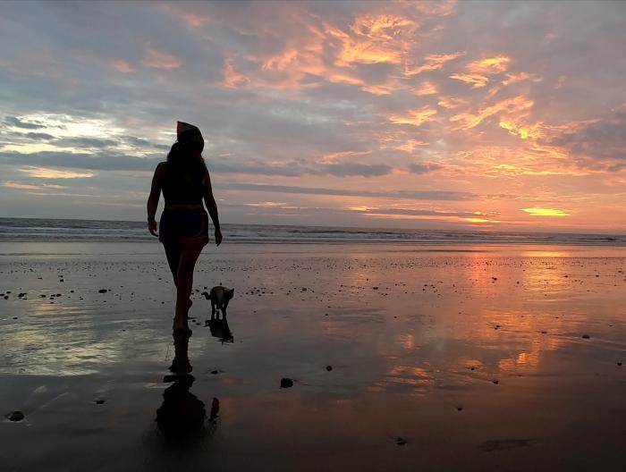 Mi cuarentena atrapada con mi gata Akira en una playa 2 5 agosto, 2020