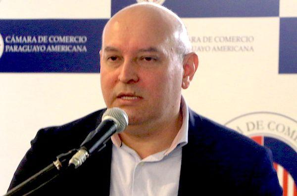 César Barreto.