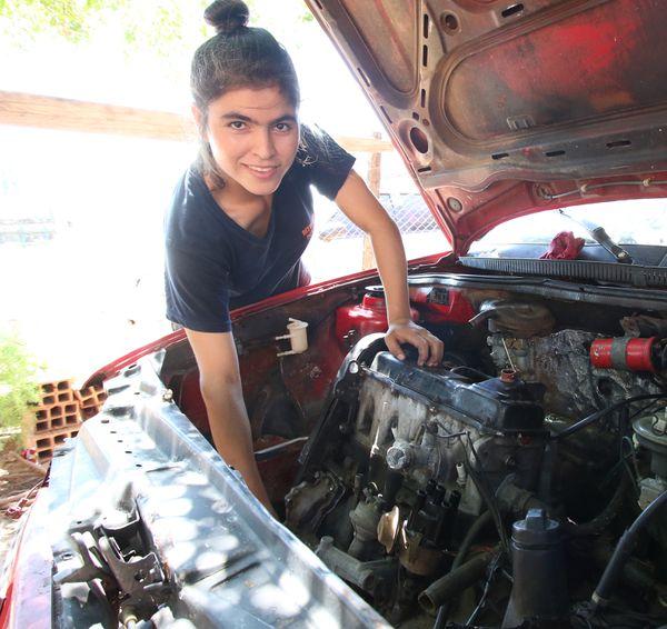 Shirley Ramírez Ortiz, mecánica.