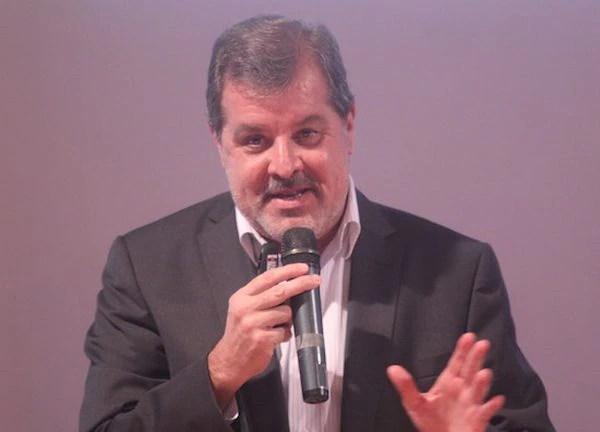Alberto Acosta Garbarino.