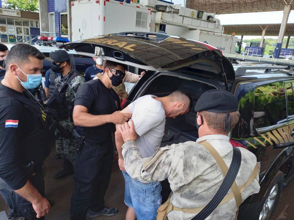 Barbosa da Silva fue trasladado desde Pedro Juan Caballero con fuerte dispositivo policial, tras ser detenido anoche a las 22:30. Foto: Gentileza.