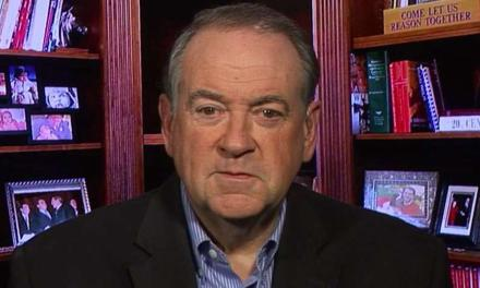 Bizarre pro-Trump rant by Mike Huckabee gives rise to new hashtag: #SuckItTrump