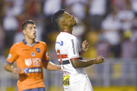 São Paulo x César Vallejo (PER)