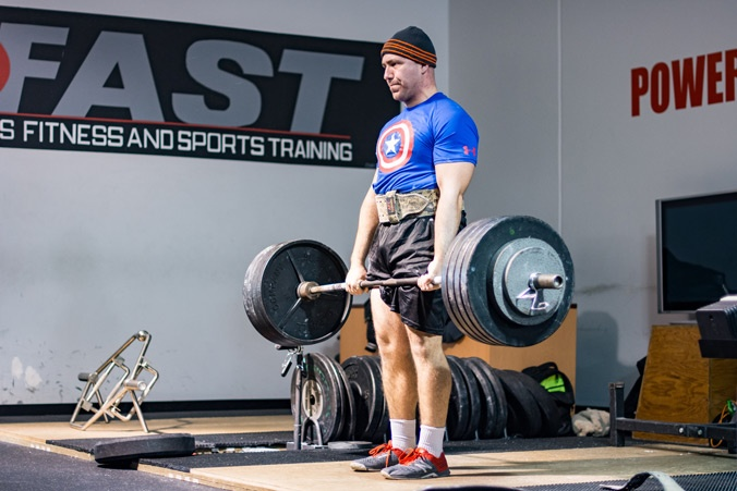 Nick Mascioli deadlifting 475
