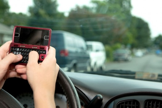 texting-while-driving2