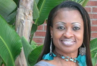 An Interview with Terri Burns, the Director/Founder of the Standing Ovation Talent Group – LanceScurv TV