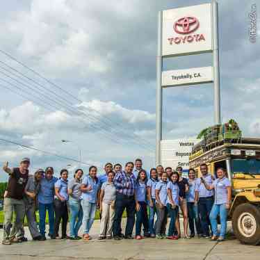 Thank you Toyokelly in San Fernando de Apure, Venezuela for fixing the Land Cruiser.