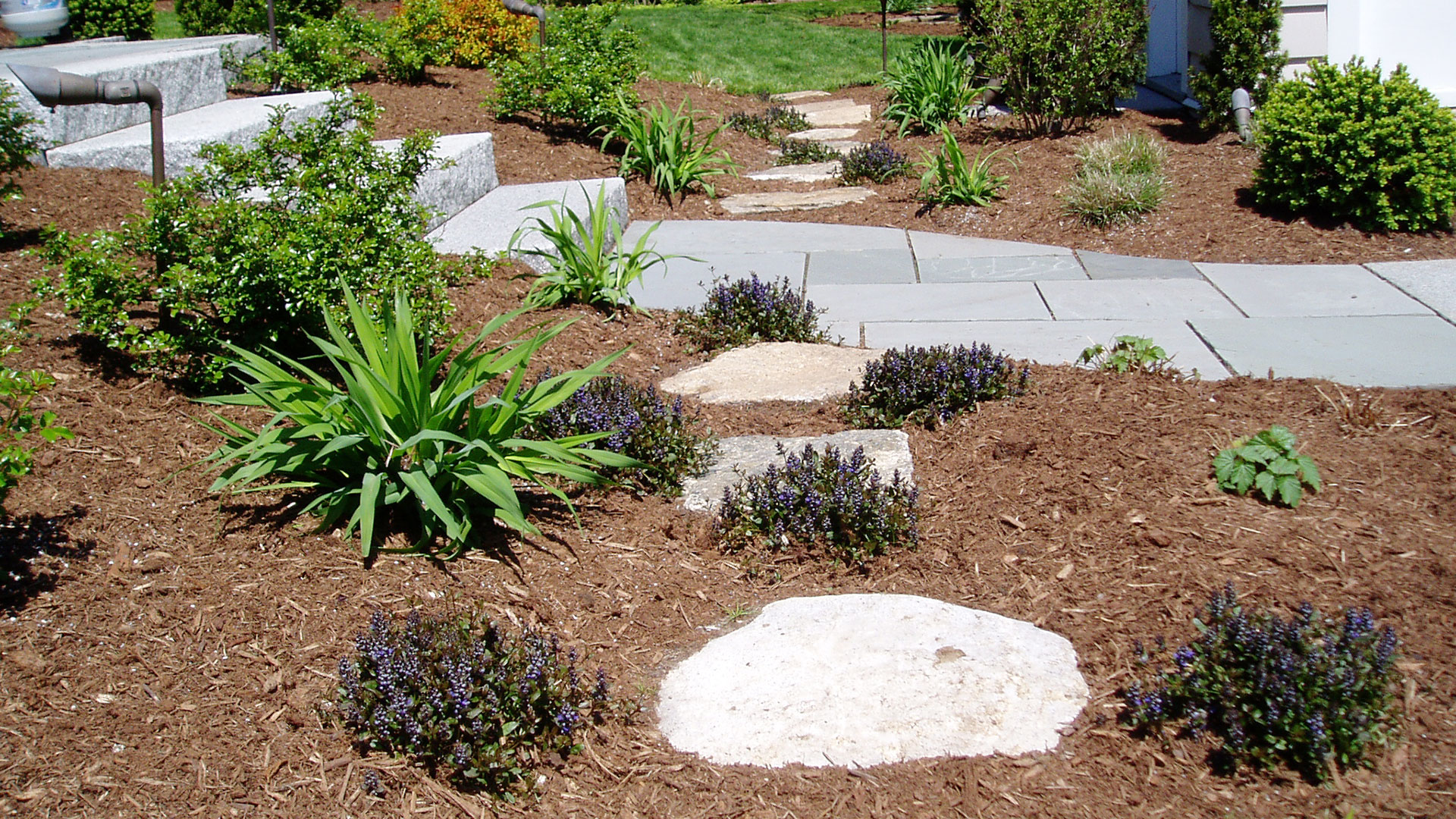 Garden Paths - LAND DESIGNS UNLIMITED LLC