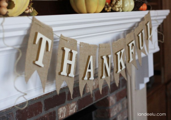 Easy Burlap Thanksgiving Bunting