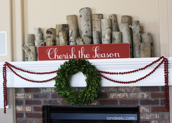 Simple Christmas Mantel-so cozy