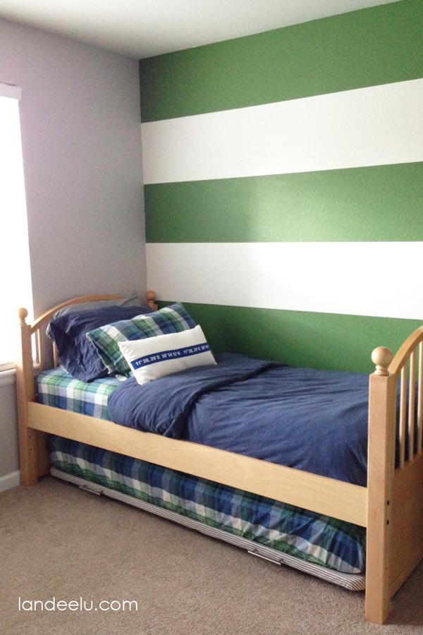 DIY Trundle Bed: A Furniture Hack from landeelu.com