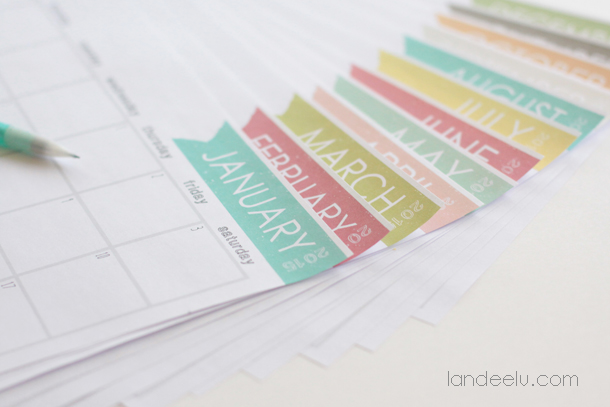 Such a cute free printable calendar for 2015! landeelu.com