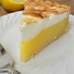 The classic lemon meringue pie you are looking for! Easy and delicious! #dessert #pie #lemonmeringuepie