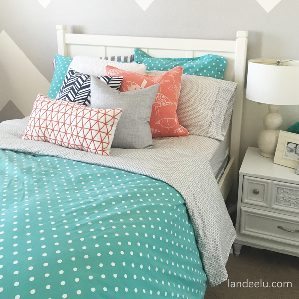Coral, Navy, Turquoise Girl's Room... love the color combo! landeelu.com