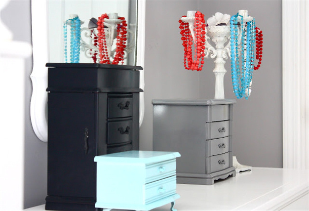 BlogHer Jewelry storage teen ideas DIY repurpose for landeelu dot com roundup