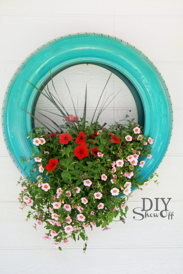 diyshowoff-tire-planter-tutorial DIY Show Off roundup for landeelu dot com