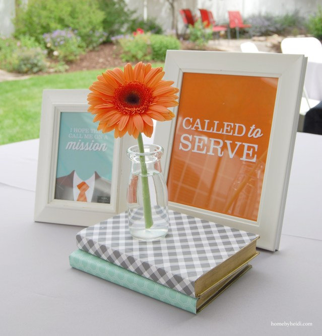 Easy Cute & Casual Centerpieces using Books and Printables | landeelu.com LOVE the gold spray paint on the edges of the books!
