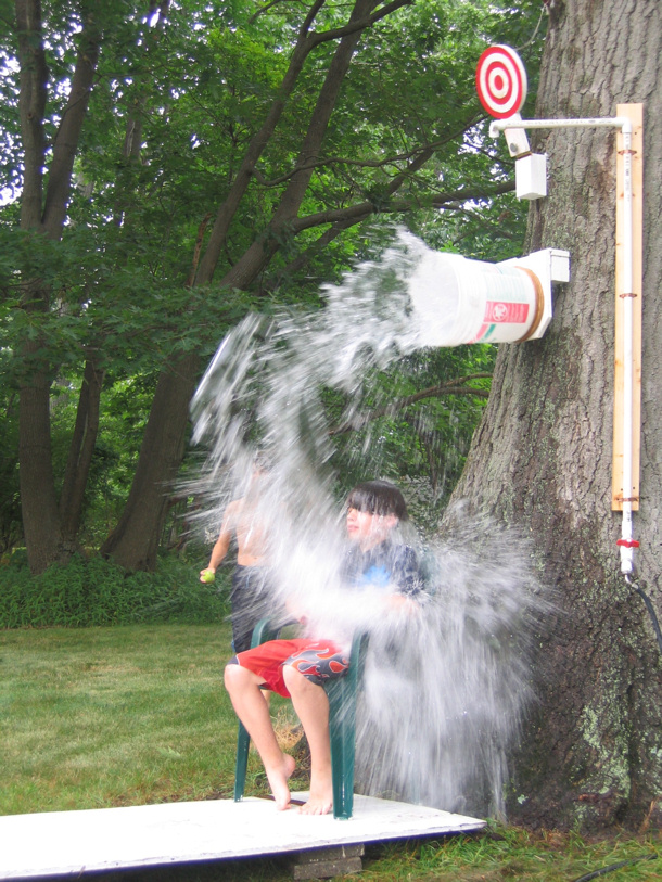 outdoor DIY dunk tank by the happy housewife