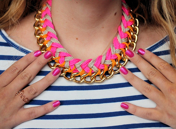 chevrons and chain paracord necklace tutorial via yeah i made it