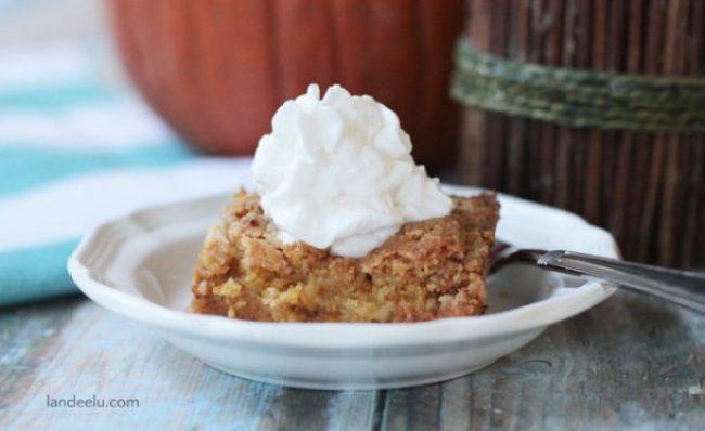 Pumpkin Crunch Recipe | landeelu.com   The perfect fall recipe... like pumpkin pie but with a yummy twist!  So easy too!