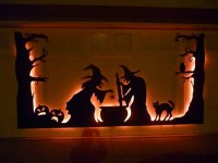 Halloween Door Decor Ideas | landeelu.com